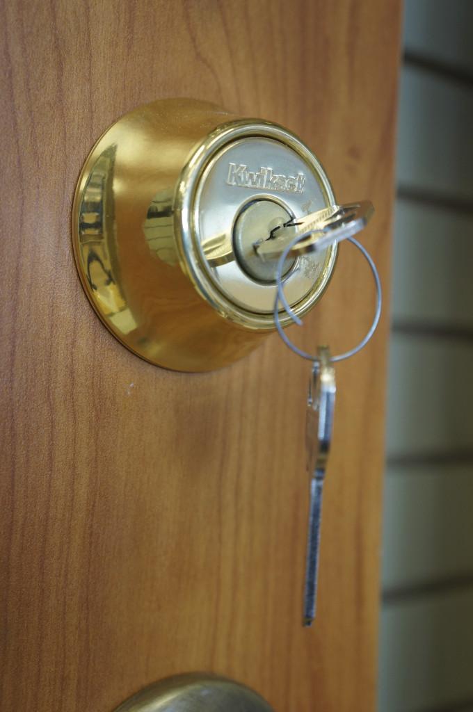 deadbolt lock and key